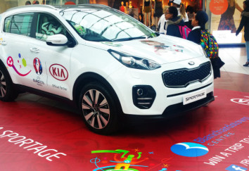 floor-graphics with new kia jeep